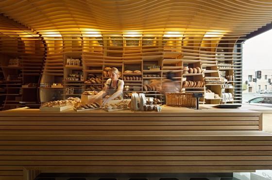 http://inbedrijf-interieur.nl/wp-content/uploads/2014/03/inbedrijf-interieur-bakkerij-hout.jpg